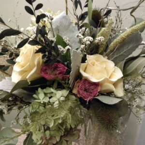dried flower bouquet cream