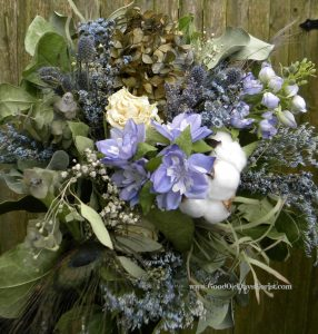 dried flower bouquet blue